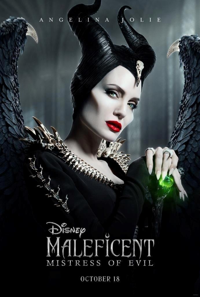 Angelina Jolie nel poster di Maleficent - Signora del male