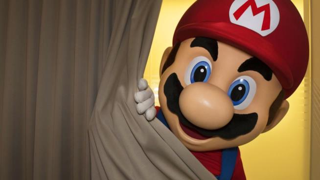 Il faccione di Super Mario ci invita a scoprire la nuova Nintendo Switch