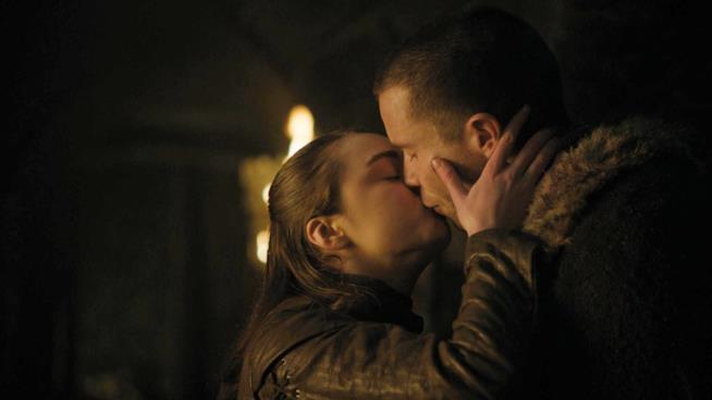 Maisie Williams e Joe Dempsie sono Arya e Gendry in Game of Thrones