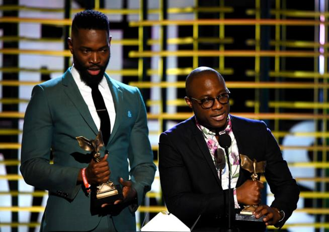 Tarell Alvin McCraney e Barry Jenkin sul palco degli Spirit Awards 2016 per Moonlight