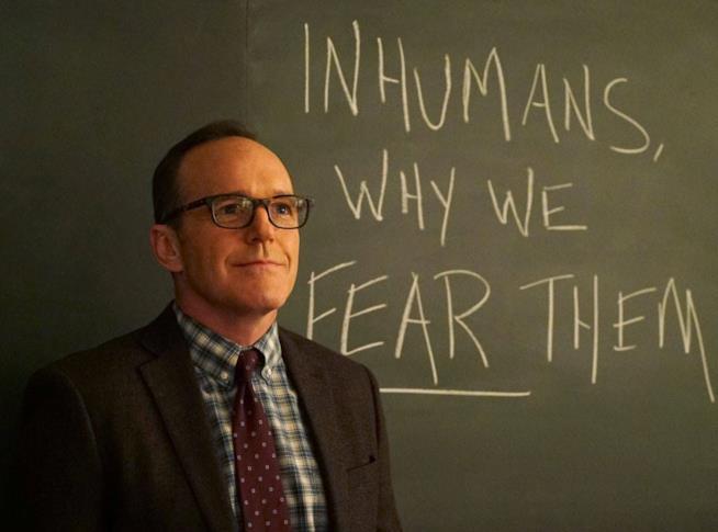 Phil Coulson nel mondo virtuale del Framework