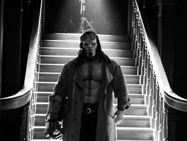 Hellboy: foto in bianco e nero di David Harbour