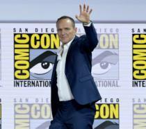 L'attore Clark Gregg saluta i fan