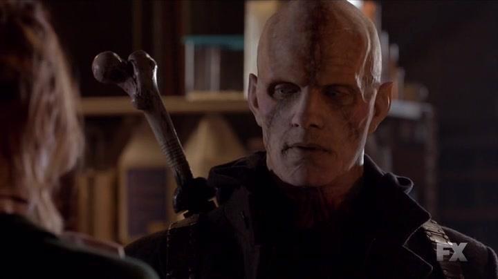Rupert Penry-Jones interpreta il mezzosangue Quinlan in The Strain