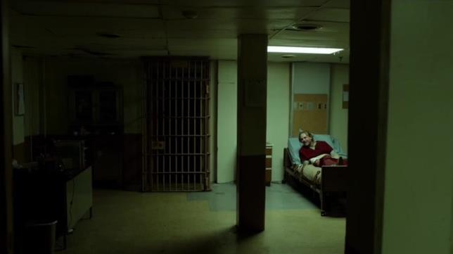 """Outcast episodio 3: """"Al sicuro"""""""