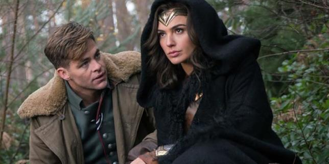 Diana e Steve Trevor in una scena Wonder Woman