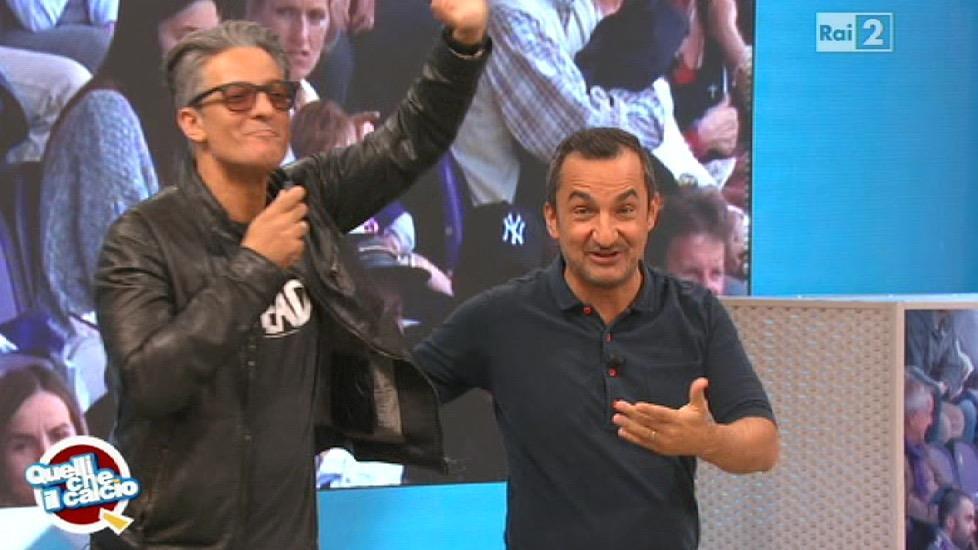 Fiorello nasconde la maglietta di The Walking Dead