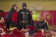 Comici statunitensi vestiti da supereroi per il programma TV CONAN