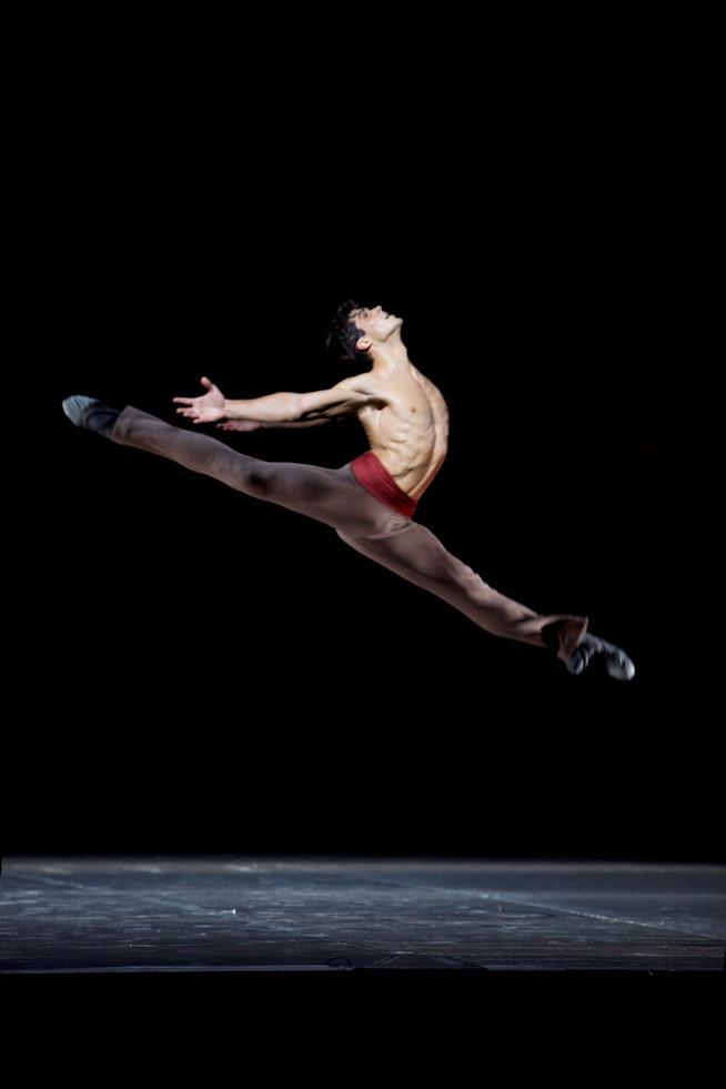 L'ètoile Roberto Bolle danza nell'Arlesienne