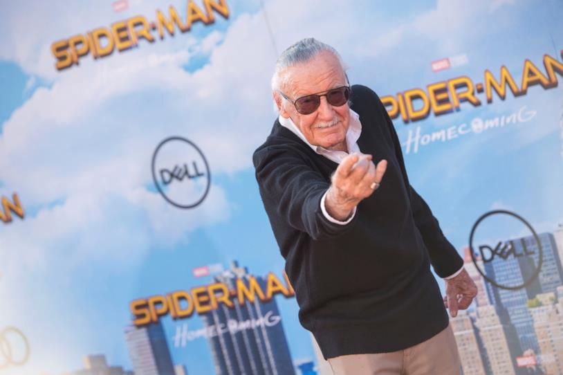 Stan Lee sul red carpet alla prima di Spider-Man: Homecoming