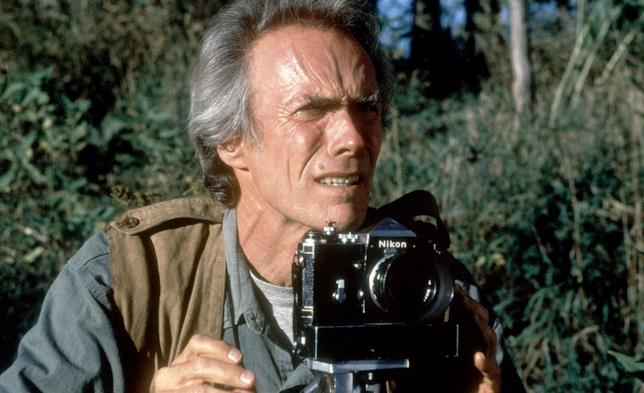 Il fotografo Robert in una scena de I ponti di Madison County