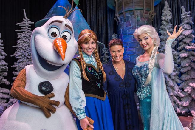 Idina Menzel e i personaggi di Frozen
