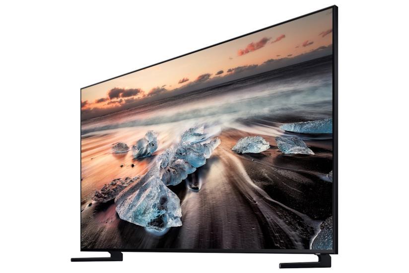 Immagine promozionale del televisore Q900R di Samsung