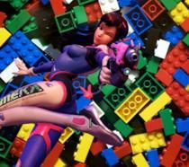 D.Va di Overwatch su una distesa di mattoncini LEGO