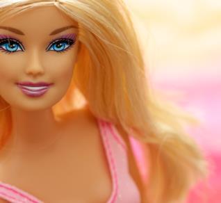 Svelato il cognome della bambola di Mattel più famosa al mondo
