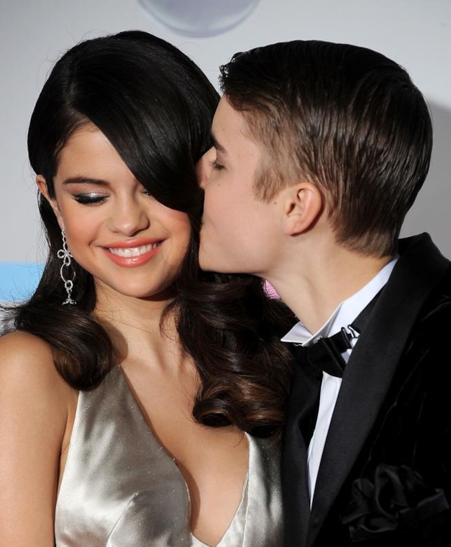 Primo piano di Selena Gomez e Justin Bieber