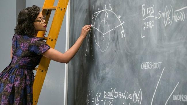 Taraji P. Henson in una scena tratta dal film Il diritto di contare
