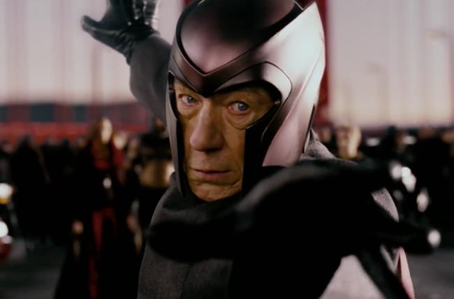 Ian McKellen è Magneto