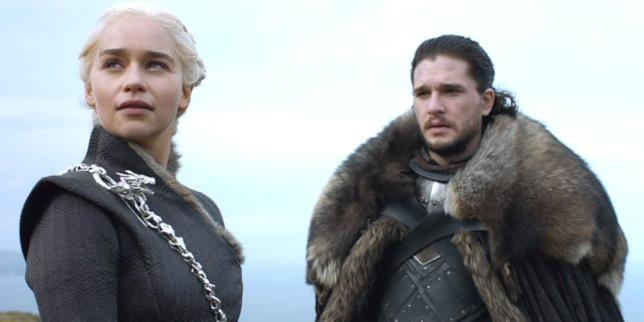 Emilia Clarke e Kit Harington in Game of Thrones 7
