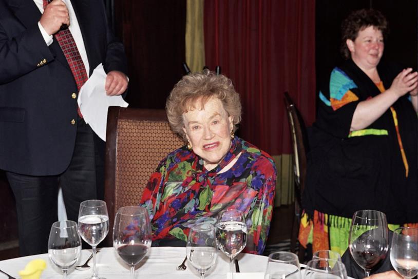 La famosa chef televisiva Julia Child all'età di 90 anni