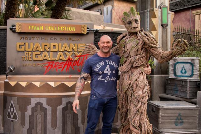 Dave Bautista e Groot a Disneyland Resort