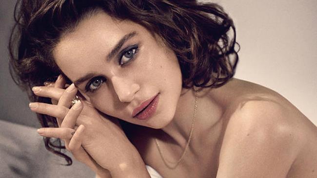 Emilia Clarke nel servizio di Esquire di ottobre 2015