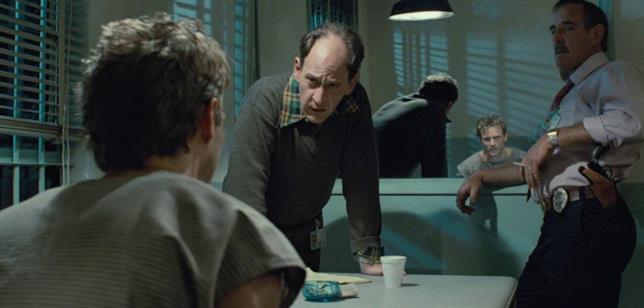 Earl Boen con Michael Biehn in Terminator
