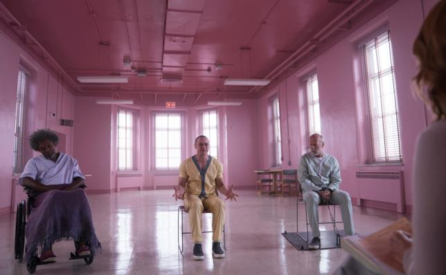 I tre protagonisti Glass in una scena del film