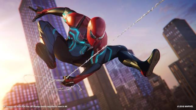 Spider-Man con uno dei numerosi costumi del gioco