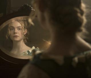 Elle Fanning in una scena del film L'inganno