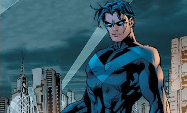 Nightwing sui tetti della città