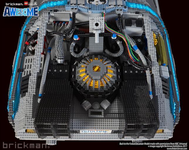 Dettagli su Mr. Fusion Home Energy Reactor presente sul modello di DeLorean di LEGO
