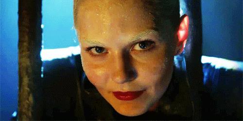 Emma nei panni del nuovo Signore Oscuro, Dark Swan