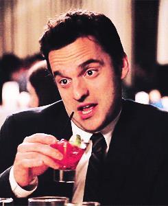 New Girl - Nick e il suo cocktail