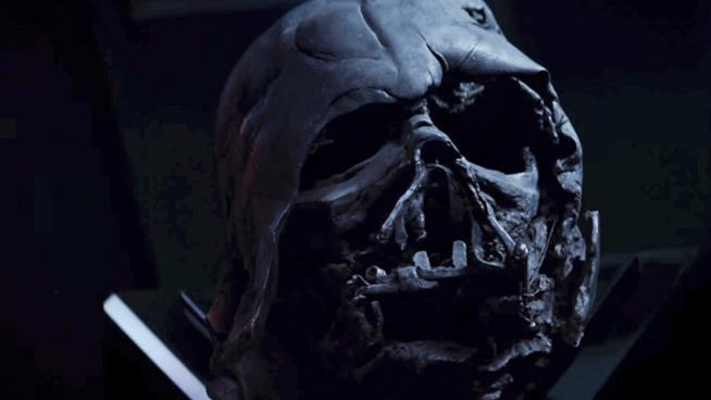 La maschera di Darth Vader in Il Risveglio Della Forza