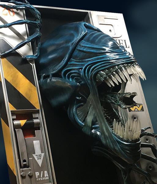 Vista di tre quarti della Regina di Aliens