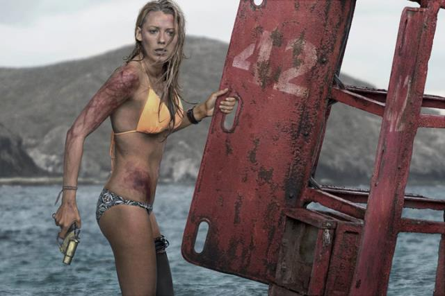 Blake Lively nel film The Shallows