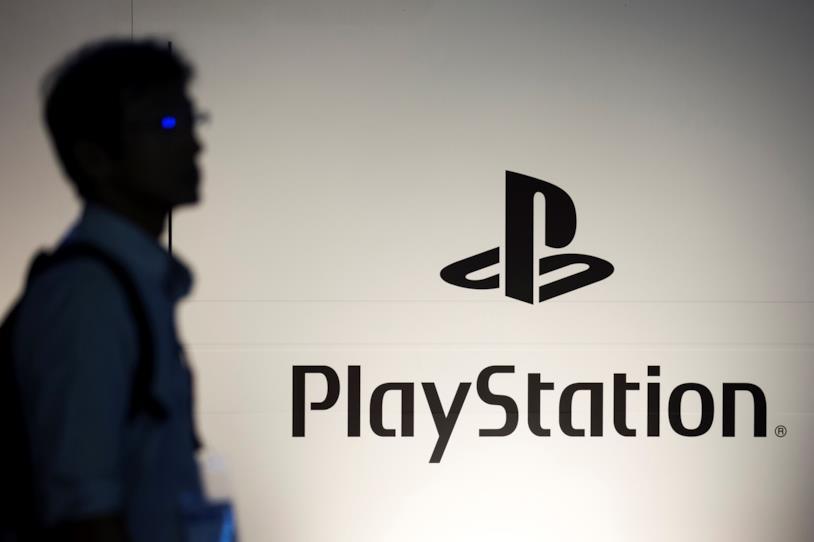 Il logo di PlayStation al booth dedicato al Tokyo Game Show 2018