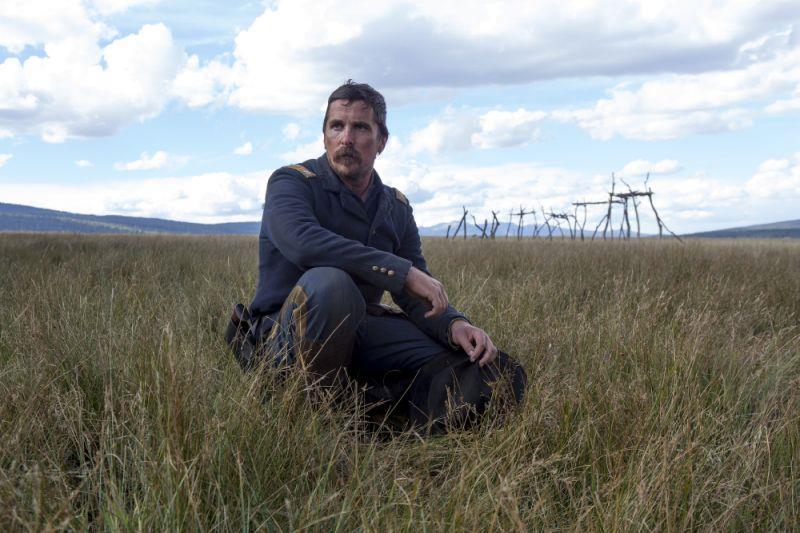Christian Bale in una prima immagine ufficiale di Hostiles