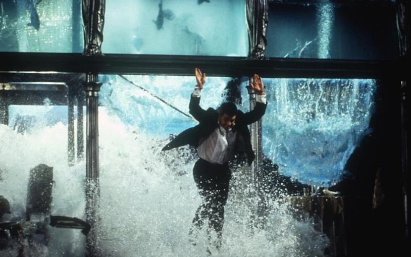 Tom Cruise nella scena dell'acquario in Mission: Impossible