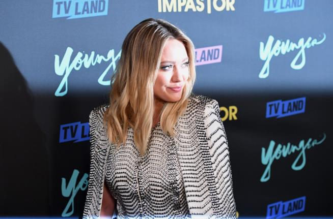 Hilary Duff la co-protagonista di Younger