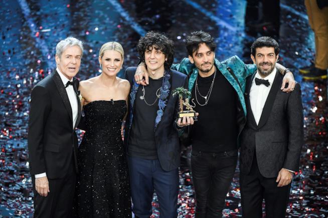 Sanremo 2018: foto con vincitori