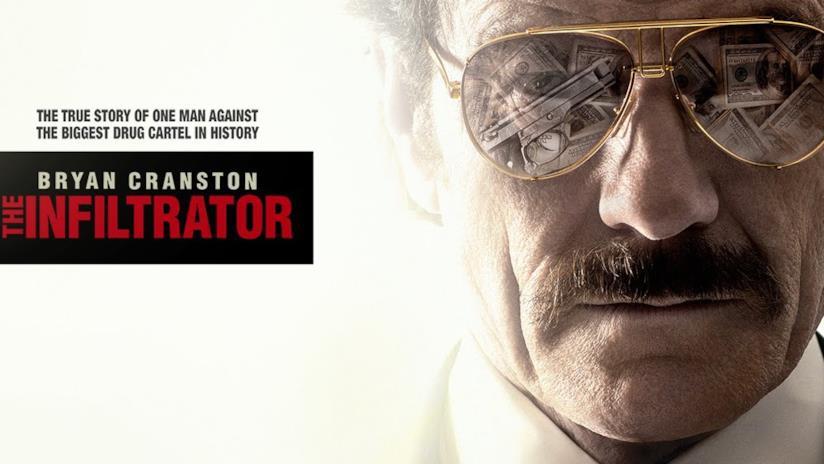 Primo piano dell'attore Bryan Cranston nei panni di Robert Mazur.
