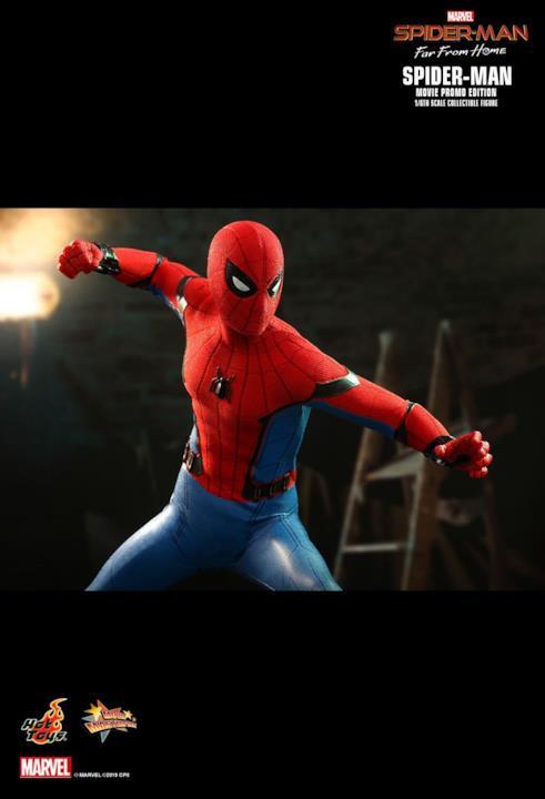 Spider-Man di Hot Toys, pronto a sferrare un colpo