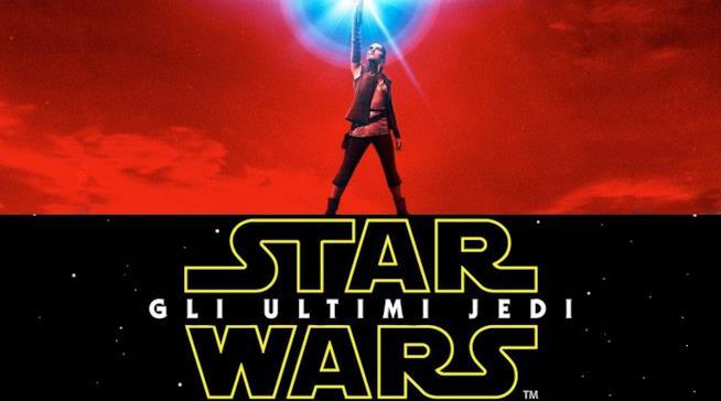 Rei impugna la sua lightsaber in Star Wars: Gli Ultimi Jedi