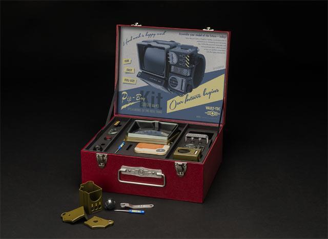 Il Pip-Boy 2000 di Fallout 76 prima di essere assemblato