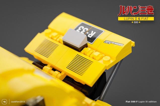 LEGO: Dettagli del cofano con targa del set