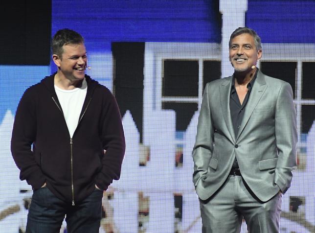 Matt Damon e George Clooney sorridenti insieme