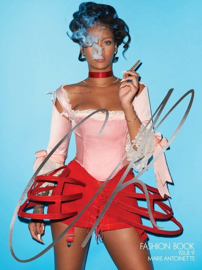 Rihanna veste i panni di Maria Antonietta per la copertina di CR Fashion Book