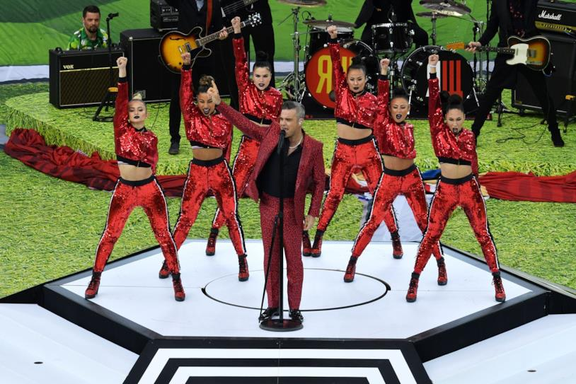 L'esibizione di Robbie Williams ai Mondiali 2018